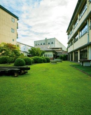 旅館内庭園